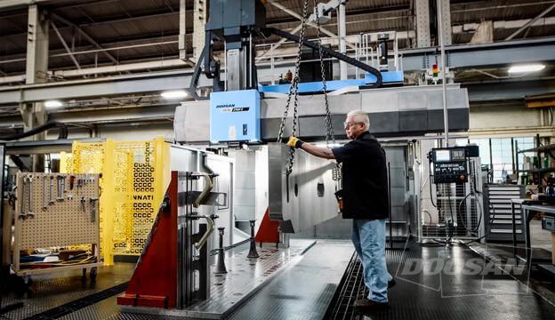Большому стейку – большой гриль: Выполняйте объемные задачи металлообработки на крупнейших станках DOOSAN